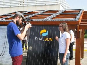 Tournage de la pose des panneaux solaires DualSun